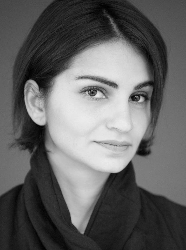 """I never thought being a Saudi woman would be trendy – Saudi Netflix actress, Ahd Kamel – لم أعتقد يوماً أن لقب *امرأة سعودية* سيكون رائجاً وعصريا""""… الممثلة السعودية على شبكة Netflix عهد كامل"""